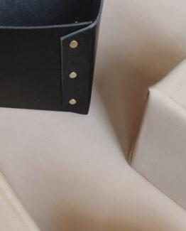 Opbevaringskasser i læder til kontoret derhjemme eller puslebordet