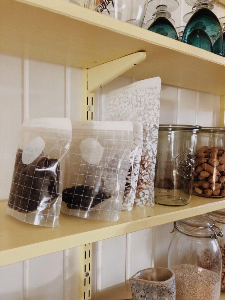 Haps Nordic Snack bag på køkkenhylden hos Melis Wilkenschildt